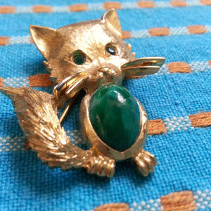 Vintage Monet gold and malachite kitten brooch